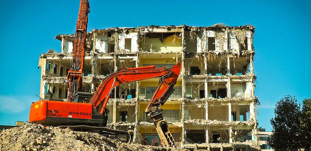 come procedere alla demolizione delle casa